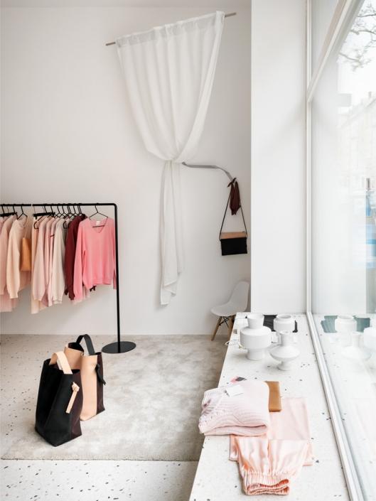 SmallbutSelect Showroom Detail